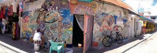 Feminina Sube mural created by Batya on Isla Mujeres