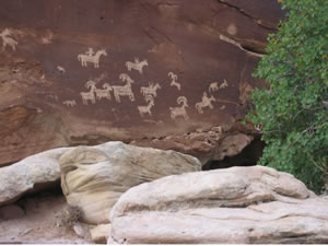 Petroglyphs in Arches National Park, Utah, USA. Photo: Jon Zanders (Open Source)